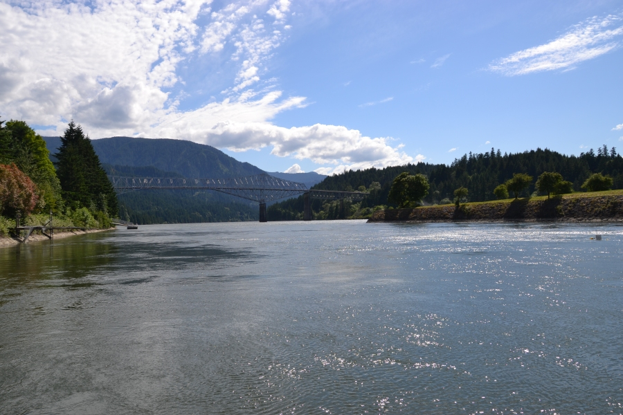 Columbia River & Toll Bridge