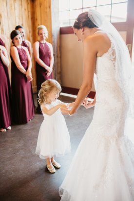 View More: http://katelynvphotography.pass.us/happilyeverhornback